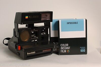 POLAROID SUN 660 AF camera + 2 x Impossible colour 600 films KIT. Excellent!