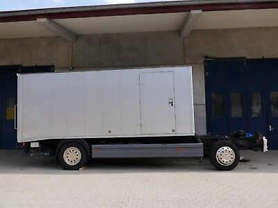 Atego 1228 Chassis mit Alukoffer (Autotransporter) + Ladebordwand nur 90.000 km!