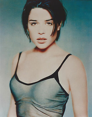 Neve Campbell 8 X 10 Photo With Ultra Pro Toploader