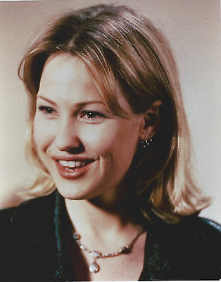 Joey Lauren Adams 8 X 10 Photo With Ultra Pro Toploader