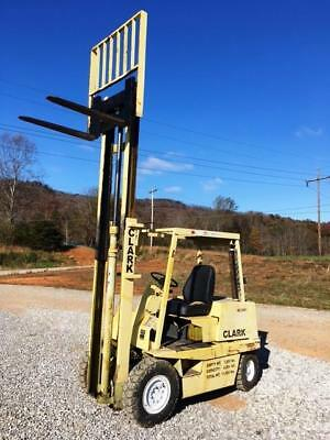 Nice Clark Equipment Pneumatic Gas Forklift 4000LBS C3004 40 Y466-3-3406 Type G