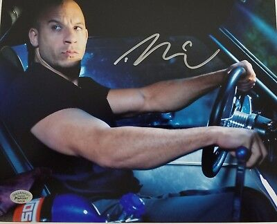 """Vin Diesel """"The Fast and the Furious"""" Hand Signed 8x10 Photo Authenticated"""