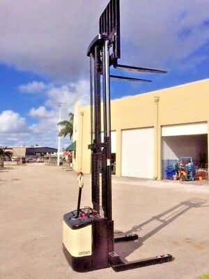 2004 Crown Walkie Stacker Ws2300 With 24 Volt Battery And On-Board Charger