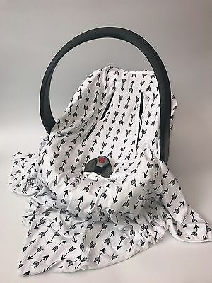 Baby Car Seat Wrap Blanket / Cosy Toes / Hooded / Cover - Arrows