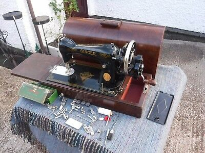 Tidy Vintage   Singer   Manual  Sewing  Machine.  Ed080363.  With  Accessories