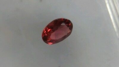 TURMALIN, facettiert. 7x5 oval, 0,85ct.