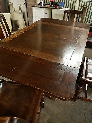 Oak dinning table and chairs