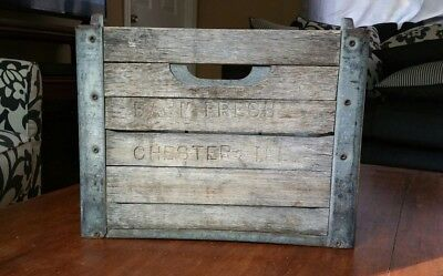Vintage Farm Fresh Chester ILL Dairy Milk Wood/Metal Crate Nice org. Patina