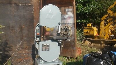 """Delta 14"""" Bandsaw  Catalog model 52-965  As  new condition"""