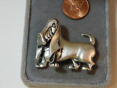 Adorable Silver Pewter Basset Hound Dog Canine Brooch Pin 8f 69