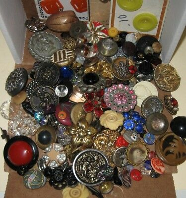 Large Lot of Antique and Vintage Buttons Glass Metal Ceramic Plastic on Cards