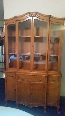 China Cabinet - Queen Anne style hutch - Can ship