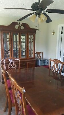 Queen Anne Diningroom set