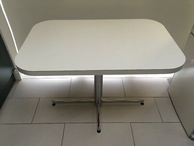 Original Mid Century White Pedestal Table. 1950s/1960s Vintage Dining Table