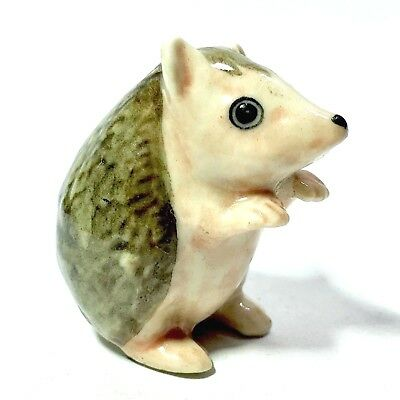 Miniature Standing Hedgehog Statue Ceramic Animal Figurine Collectibles Decor