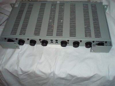 HENDRY Rack Mount 8 port Fuse Panel NEW -48volt