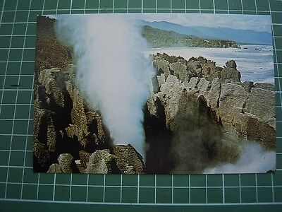 1980's  POSTCARD - THE PUTAI BLOWHOLE - PUNAKAIKI - NEW ZEALAND -ColourView  NEW