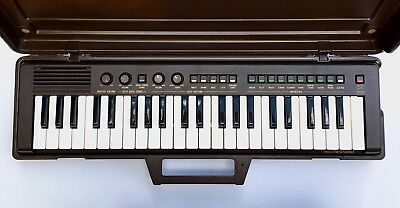 Portable YAMAHA Keyboard with Case Portasound PS-3