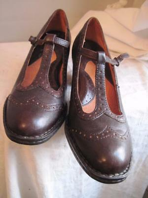 Born Womens'  Brown Perforated Detail Leather Rare Shoes 10