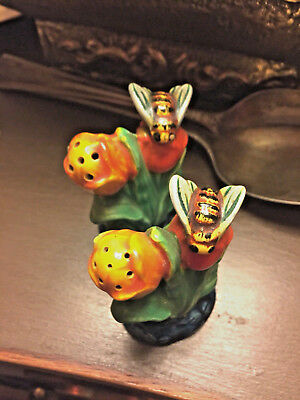 VINTAGE made in JAPAN tulips SALT AND PEPPER SHAKERS with Honey BEES