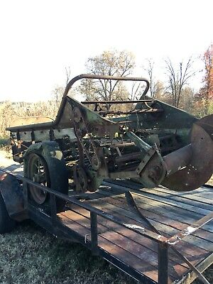 Early Antique John Deere Manure Spreader As Is For Parts Or Restore