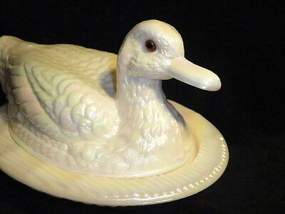 Rare Westmoreland Glass CARNIVAL Duck Pearl Almond Covered Dish Nest... 150 Made