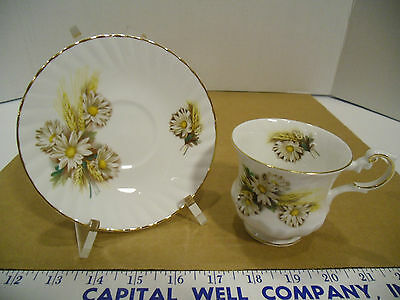 Vintage Queen's English Fine Bone China Floral Tea Cup & Saucer Set October, EUC