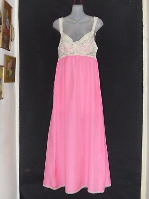 1970's/80's Vintage Full Length Nightie with Contrasting Lace Bodice.