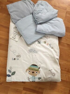 Mamas & Papas Boys Scrap Book Cot Bed Toddler Quilt & 4 Fitted Mattress Sheets