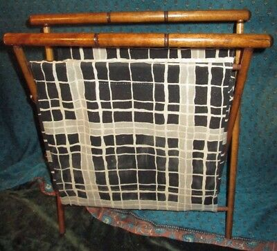 VTG Wood Folding Sewing Knitting Basket Yarn Fabric Standing Caddy Tote PLAID