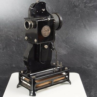 ^ Pathe Baby Pathex Pathescope Vintage Antique 9.5mm Film Projector 481