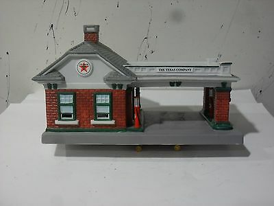 1997 Texaco Limited Edition Porcelain Service Station #15 Dallas , Texas  .
