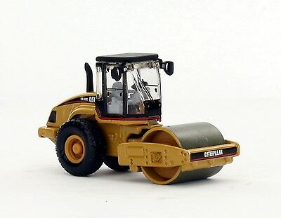 Caterpillar HO 1:87 Cat CS-563E Smooth Drum Compactor diecast Norscot 55155