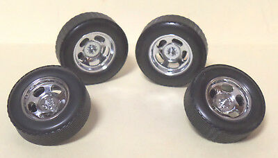 WHEELS - Set of 4 Chrome Dragway with Disc Brakes & Calipers, Axles 1:18 scale