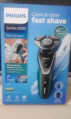 Philips Series 5000 MultiPrecision shaver with Nose Trimmer S5550, Unused...