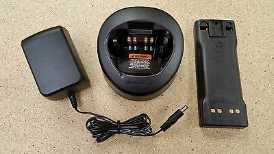 Motorola HT1000 Radio Charger NTN8831A and NTN7143CR NiCd Battery