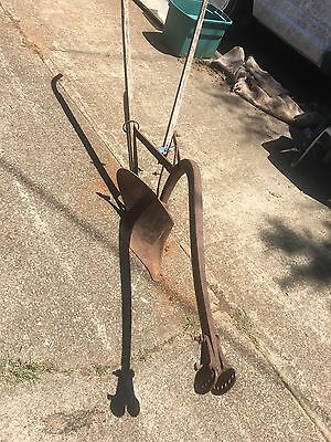 Antique Mule or Horse drawn Plow 72 1/2 BR Turning Wooden Handles Chattanooga