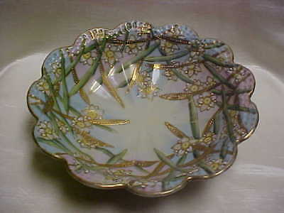 Vintage Early 1900's Fruit Bowl Made in Narcissus Flower Leaves Pattern Scallop