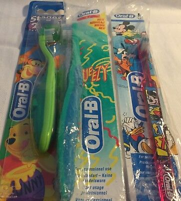 11 baby toothbrushes (Oral B/Sensodyne)+1 tube toothpaste for children. All New