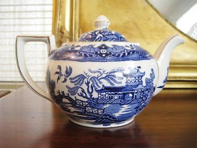 Charming Vintage Burleigh Willow pattern teapot. 1.2lt capacity.