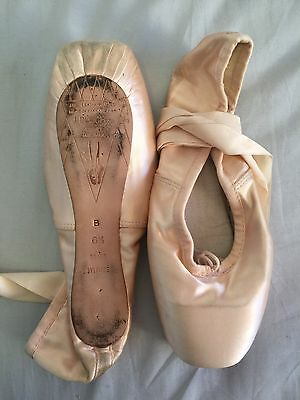 Bloch pointe ballets shoes. size 6 1/2