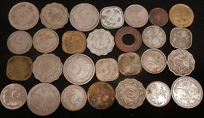 Pakistan, A Collection Of 28 Misc Vintage Coins From Pakistan