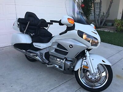 2012 Honda Gold Wing  2012 HONDA  GL1800HPNMC GOLDWING(**) WHT ONLY 18400MI!!!