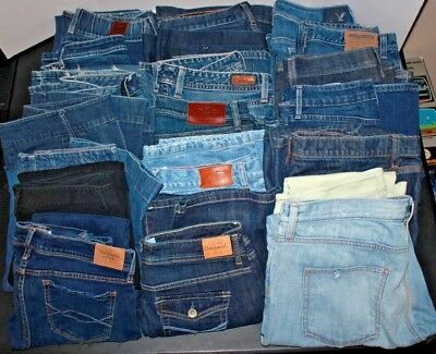 Women's Clothing LOT: 20 Pairs of Jeans, Variety of Sizes & Brands,  (LOT B)