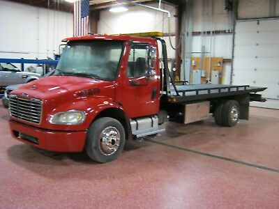 2005 Freightliner M2 Flatbed Tow Truck Rollback