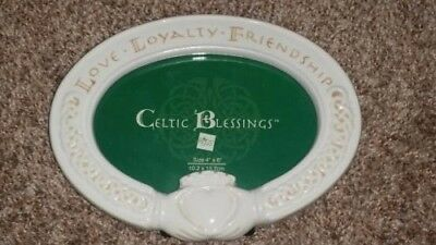 Celtic Blessings 4 x 6 oval picture frame - Love, Loyalty, Friendship by RUSS