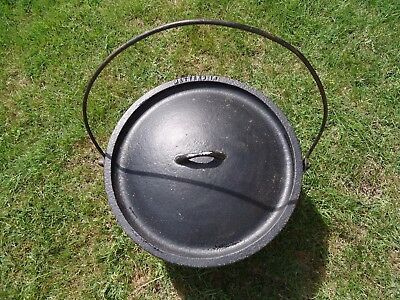 Metters 14 Cast Iron Camp Oven & Lid