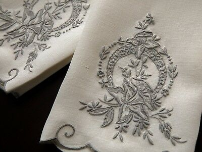 Fabulous Pair Vintage Madeira Embroidered Daffodil Linen Hand Towels 13x20