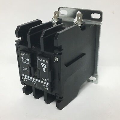 Eaton C25DND330B Contactor 30A 208-240V Coil 50/60Hz 3P Series D1 9-3185-2 Used