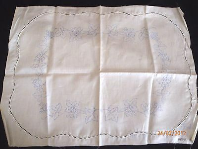 ~VINTAGE CENTRE CLOTH No. 3873 - GRAPE IVY - NEW & UNUSED, READY TO COMPLETE~